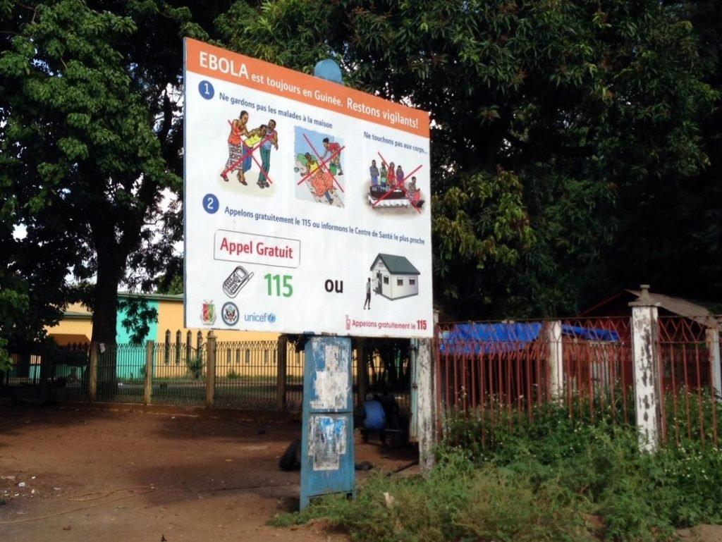 panneau ebola conakry guine 102014